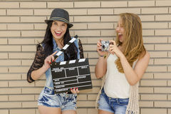 stygga flickor fotografering för bildbyråer