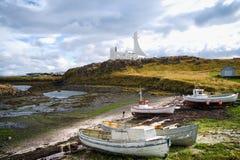 Stykkisholmur, Ισλανδία, βάρκες και εκκλησία Στοκ Φωτογραφία