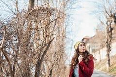 Styl życia mody portret elegancka młoda dziewczyna Zdjęcie Royalty Free
