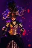 Styl Paryjski kabaret Na scenie w spektakularnym przedstawieniu Najważniejszym muzykalny theatre Zdjęcie Royalty Free