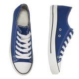 Style bleu de sports d'espadrilles d'isolement Image stock
