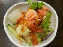 Style coréen de nourriture, vue supérieure de salade écrasée de crevette image libre de droits