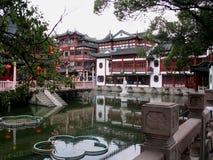 Style de chinois traditionnel de l'espace vert de fond de paysage Photos stock