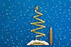 Style de coupe de papier de carte postale d'arbre de X'mas Photos libres de droits
