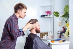 Style de salon de coiffure et de dégagement photographie stock libre de droits
