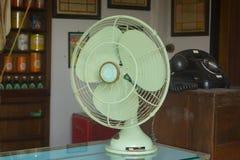 Style de ventilateur électrique d'antiquité de style de vintage rétro image libre de droits