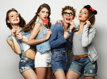 Style de vie et concept de personnes : meilleurs amis de filles prêts pour le pair Photos libres de droits