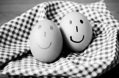 Style noir et blanc de ton de couleur d'oeufs de sourire Image libre de droits