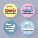 Style plat réglé d'icône automatique Voiture, autobus, avion et bateau Images libres de droits