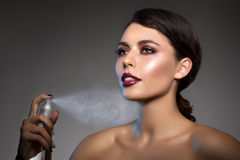 Style PO de Vogue de haute couture de Girl Beauty Woman de modèle de haute couture photographie stock