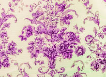 Style pourpre de vintage de fond de tissu de rétro modèle sans couture floral de dentelle Photographie stock libre de droits