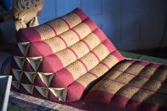 Style thaïlandais de coussin dans le salon photo stock