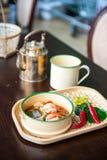 Style thaïlandais de soupe à crevette rose Images stock
