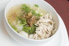 Style thaïlandais de soupe de nouilles de poulet Image libre de droits