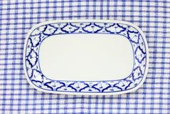 Style traditionnel de plat de modèle bleu et blanc d'ananas Photos libres de droits