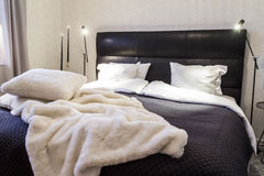 Stylish bedroom. Queen size bed Royalty Free Stock Photos