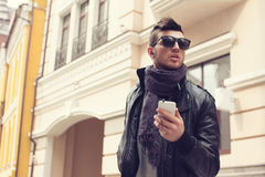 Stylish guy with smartphone Royalty Free Stock Photography