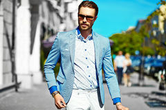 Stylish handsome manl in the street Royalty Free Stock Images