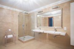 Stylish spacious warm bathroom Royalty Free Stock Photography