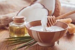 stylized olja för kokosnötdroppillustration Arkivbild