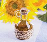stylized solros för droppe olja Arkivfoton