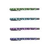 Stylo coloré du plan rapproché quatre dans le stylo militaire de modèle, beau stylo d'isolement sur le fond blanc Image stock