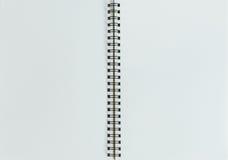 Stylo, crayon et bloc-notes style plat de configuration Photographie stock libre de droits