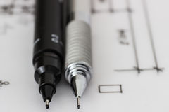 Stylo et crayon techniques sur le dessin Image stock