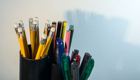 Stylo et crayons Image stock