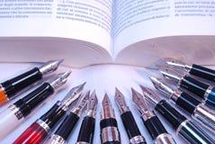 stylos-plumes Images libres de droits