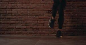 Stylu wolnego taniec iść na piechotę zbliżenie Czerwona epopeja 4K zdjęcie wideo