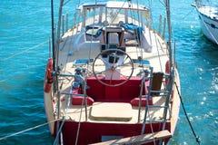 Styrninghjul på yachten Royaltyfri Foto