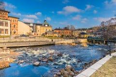 Suécia de Norrtalje - 1º de abril de 2017: Cidade velha de Norrtalje, Suécia foto de stock