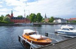Suécia pequena de Halmstad do rio de Nissan dos barcos a motor Fotografia de Stock Royalty Free