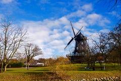 Suécia velha de Malmo do moinho de vento fotografia de stock