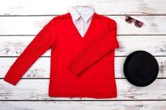 Suéter y accesorios femeninos de la moda Imagen de archivo libre de regalías