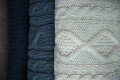 Suéteres blancos y azules Fotografía de archivo libre de regalías