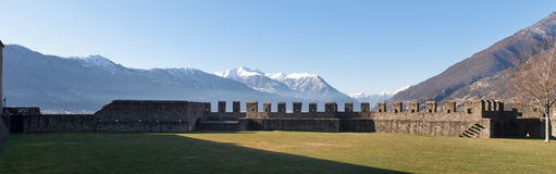 Suíça, castelos de Bellinzona fotos de stock royalty free