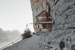 Suíça, Ebenalp - 27 de setembro de 2018: pensão famosa A da montanha fotografia de stock
