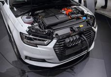 Suíça; Genebra; 8 de março de 2018; Audi A3 e-Tron que está sendo carregado Imagem de Stock Royalty Free