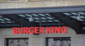 Suíça; Genebra; 9 de março de 2018; Si da letra do diodo emissor de luz de Burger King 3D Imagens de Stock