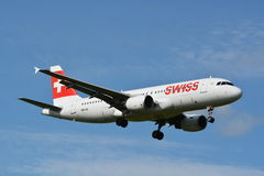 Suíço Airbus/A320-214/HB-IJL Imagem de Stock