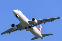 Suíço Airbus A-320 no aeroporto LJMB de Maribor Imagem de Stock Royalty Free
