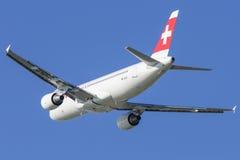 Suíço Airbus A-320 no aeroporto LJMB de Maribor Fotografia de Stock Royalty Free