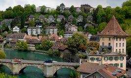 Suíço Berna e ponte de Aare do rio Foto de Stock