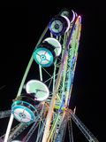 2017 suíços de Montreux do 24 de novembro - Ferris Wheel no mercado do Natal em Montreux, Suíça Foto de Stock Royalty Free