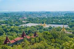 Su塔翁Pyae塔、曼德勒小山、缅甸& x28; Burma& x29; 库存图片