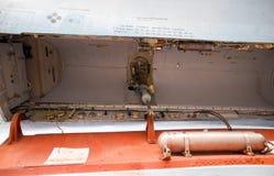 Su35在飞行表演的战斗机 在显示观众的机场的航空器 炸弹的开放隔间 内部战斗机equi 图库摄影