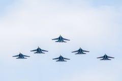SU - 27 cavaleiros aerobatic do russo da equipe do russo Imagem de Stock Royalty Free