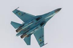 SU-27, das an NEIGUNG 2016 durchführt Stockfoto